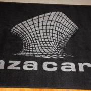 Tapete fibras de nylon con logotipo